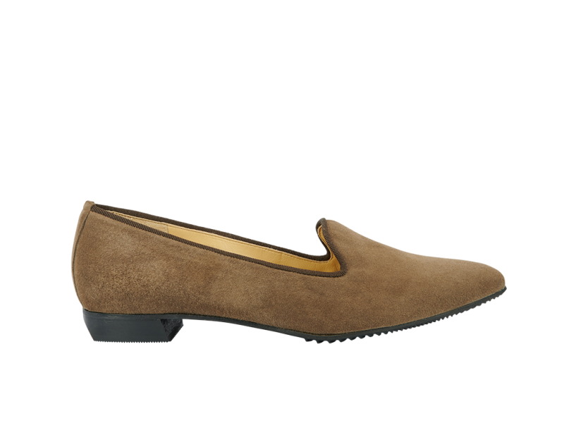 Pointy slipper style flat